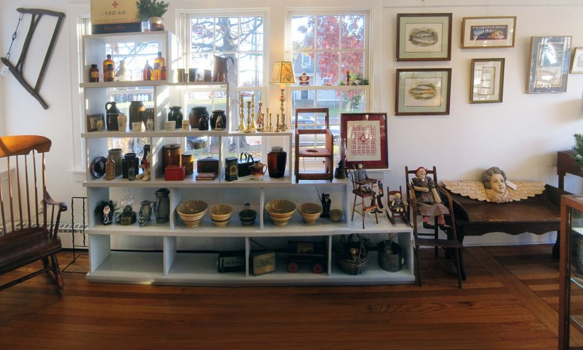 red-head-heron-antiques-shop
